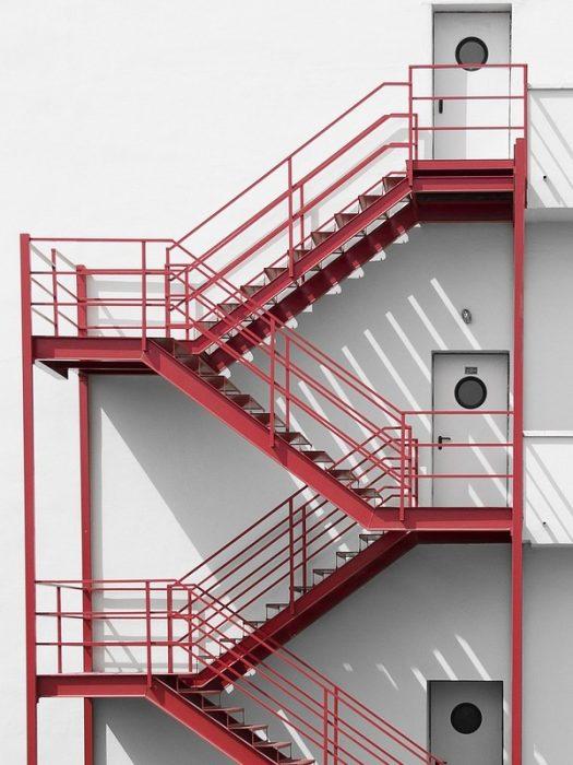 kích thước thang thoát hiểm